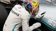 Hamilton zet titel kracht bij met zege in Brazilië, Verstappen ziet overwinning door de neus geboord na dwaze actie achterblijver