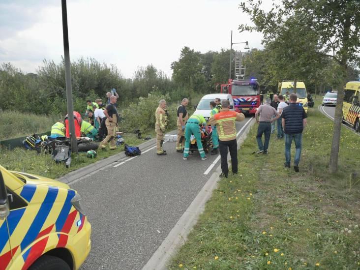 Motorrijder overleden na botsing met boom in Helmond, vrouw gewond naar ziekenhuis