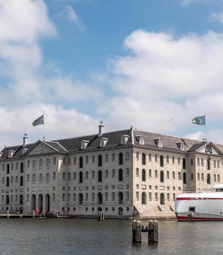 Amsterdamse haven wil superjachten laten afmeren