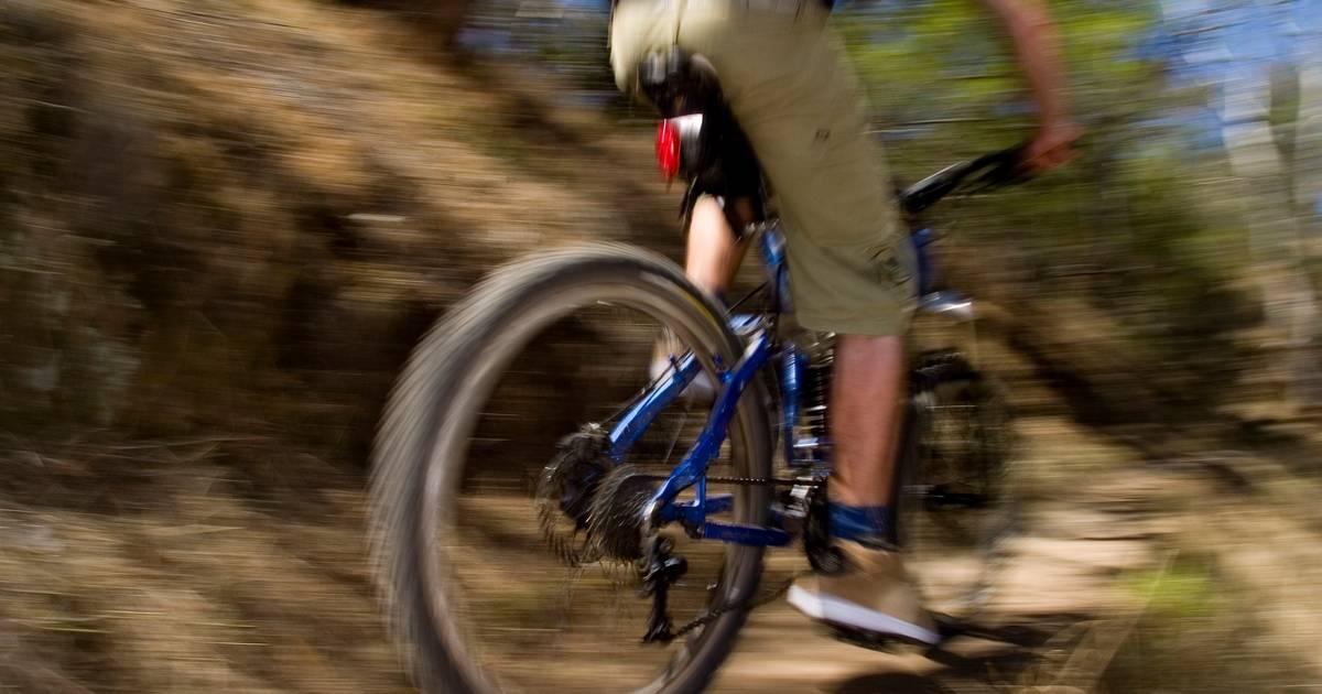 Mountainbiker gewond naar ziekenhuis na ongeluk in Udenhout.