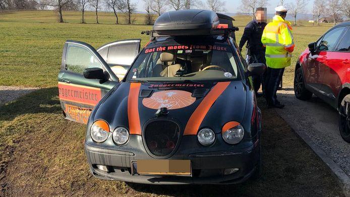 Een van de gesponsorde racebolides van de Nederlandse groep