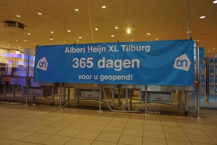 Spandoek in de Tilburgse AH XL