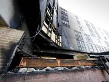 Slachtoffers Nijmeegse flatbrand herdacht: 'De ene na de andere bewoner kwam in pyjama binnen'