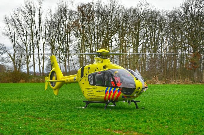 Een traumahelikopter kwam ter plaatse.