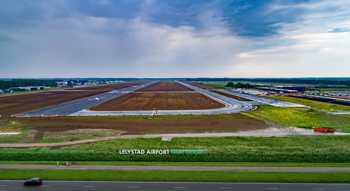 Lelystad Airport in aanbouw.