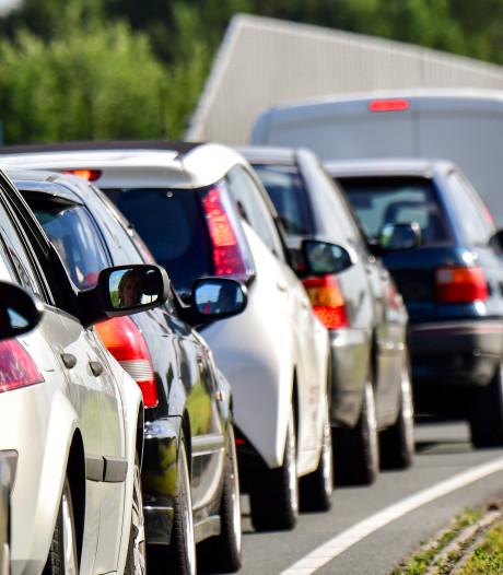 A27 vanuit Breda richting Gorinchem weer vrij na ongeluk met vrachtwagen