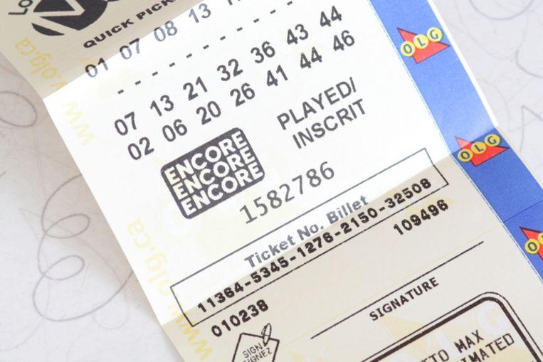 Lotto Max zag het levenslicht in Ontario na de afschaffing van de Super 7, waar veel fraude mee gepleegd werd.