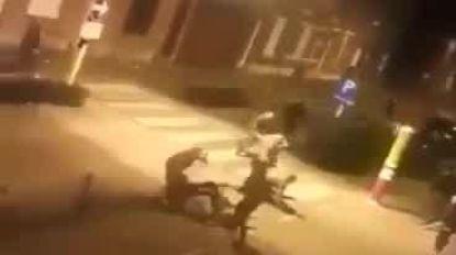 Twee families gaan elkaar op straat te lijf met honkbalknuppels