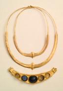 De gouden halssieraden uit Achterberg.