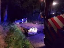 Automobilist zwaargewond bij ernstig ongeluk in Manderveen