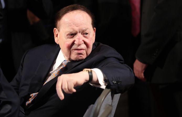 Sheldon Adelson in 2016 bij het verkiezingsdebat tussen Hillary Clinton en Donald Trump.