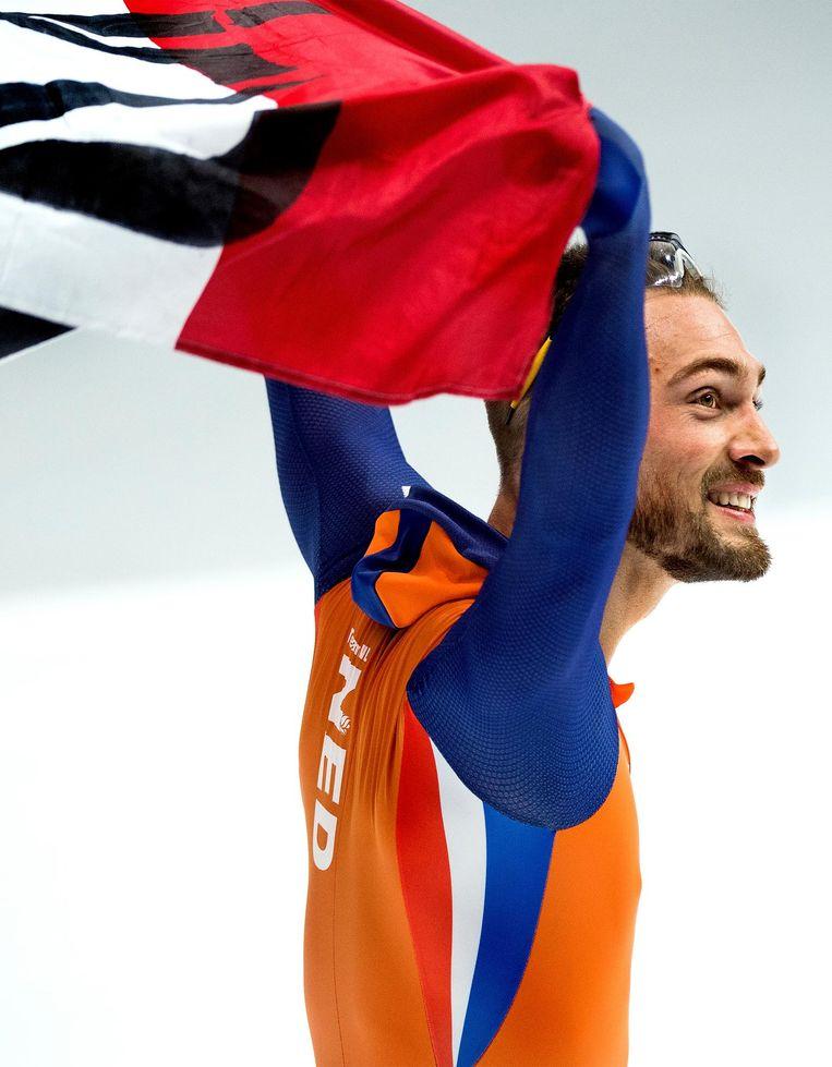 Kjeld Nuis na zijn overwinning. Beeld Klaas Jan van der Weij