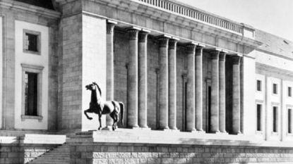 Duitse politie vindt Hitlers bronzen 'nazi-paarden' terug