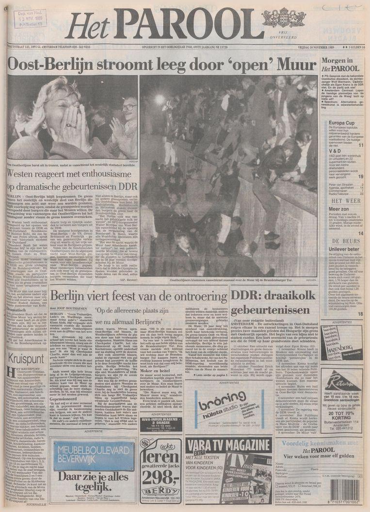 De voorpagina van Het Parool van 10 november 1989. Beeld Het Parool/Delpher