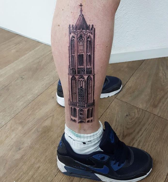 Domtoren tattoo, gezet door Darryl Veer van Tattooshop Tradtoo