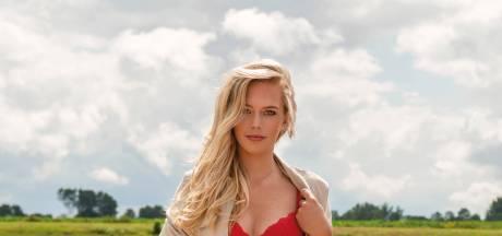 Juliët uit Winterswijk één van de modellen voor pikante Boerinnenkalender 2021