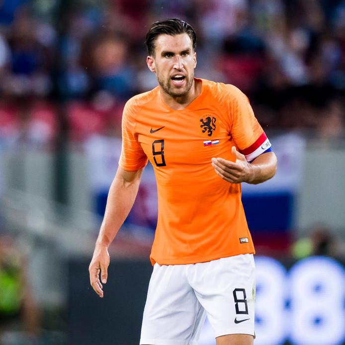 Kevin Strootman als aanvoerder van Oranje tegen Slowakije afgelopen mei.