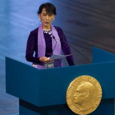 of-aung-sang-suu-kyi-komt-niet-onder-het-leger-uit-of-het-lot-van-de-rohingya-interesseert-haar-niet