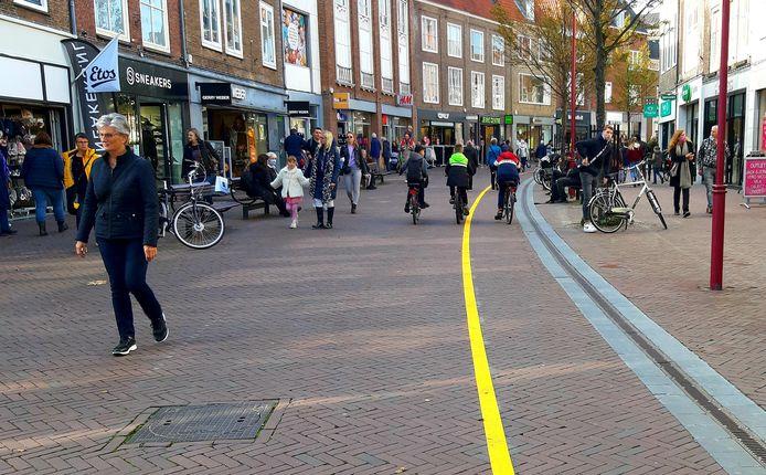 Een duidelijk zichtbare streep in de Lange Delft