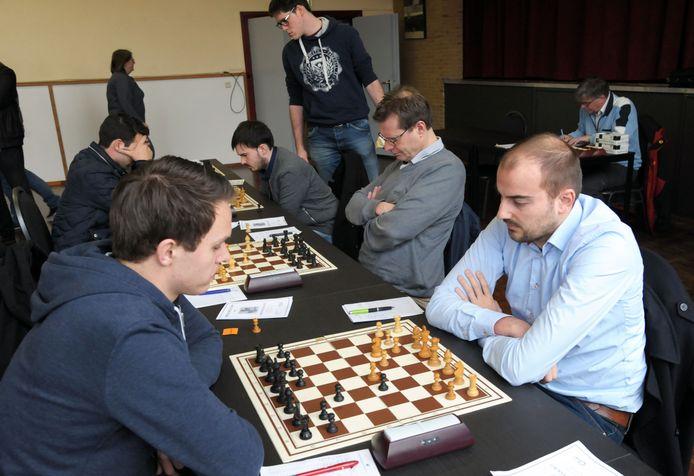 Koen Leenhouts (rechts) werd zondag teamtopscorer.