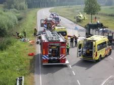Vrouw zwaargewond naar ziekenhuis door aanrijding in Bergen op Zoom, kinderen van 1 en 3 jaar oud ook gewond