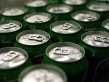 Vrouw neemt nog snel een paar slokken bier voor aanhouding vanwege huiselijk geweld in Breda