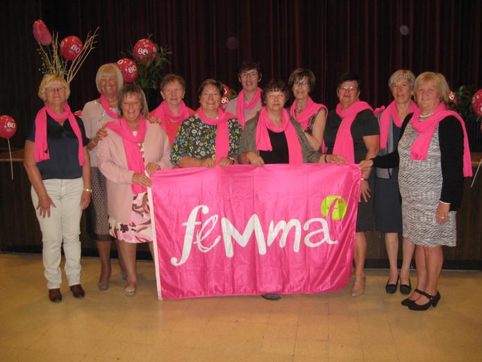 Leden van Femma Sterrebeek. Alle werknemers van de Belgische vrouwenvereniging schakelen in 2019 over op een werkweek van 30 uur.