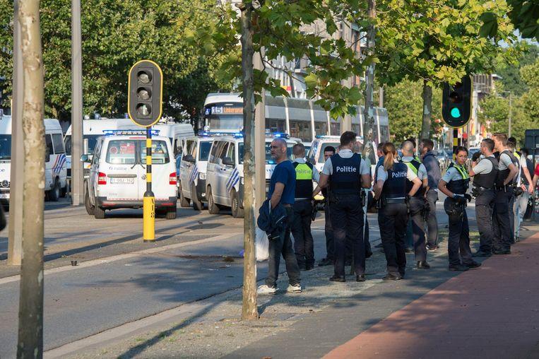 De aanval op de bussen met Beerschot-supporters gebeurde op het Gemeenteplein in Mortsel op 13 augustus.