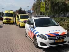 Fietser naar ziekenhuis na aanrijding in Goor