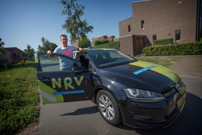 Rob Peijnenburg, oud speler van PSV en nu rijschoolhouder. NRV heet zijn onderneming.