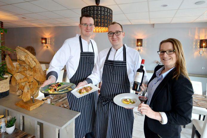 De crew van Hooked Seafood & More in Nijverdal