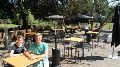 Hittegolf op komst: Dertien 'coronaproof' zomerbars waar je in stijl kan genieten van een cocktail of een frisse pint