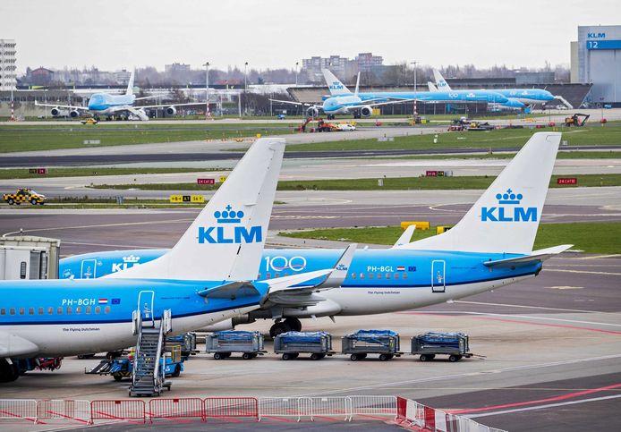 'Even' naar Nederland vliegen zit er voor Kai en zijn ouders niet in.
