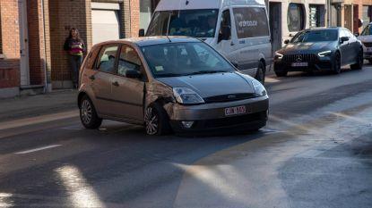 Lange file door ongeval met stoffelijke schade en lichtgewonde op Astridlaan