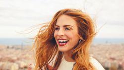 5 trucjes waar mensen met een stralende witte glimlach bij zweren