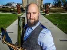Saxofoonbouwer verhuist naar nieuwe locatie