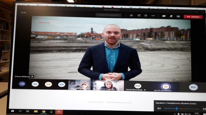 Wethouder Sem Stroosnijder in het YouTubefilmpje over de start van de nieuwbouw op en om het Ravesteynplein in Vlissingen.