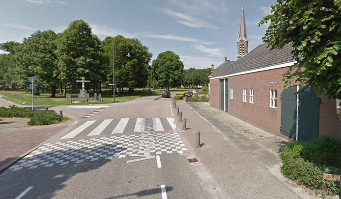 Nieuwbouwlocatie op Houtse Heuvel 2 (rechts op de foto).