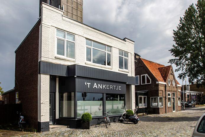 In Deventer opende onlangs coffeeshop 't Ankertje op de plek waar jarenlang De Kikker was gevestigd. Deventer telt daarmee weer vier coffeeshops.