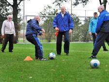 Geen slidings, niet rennen: Cluzona in Wouw start met walking football