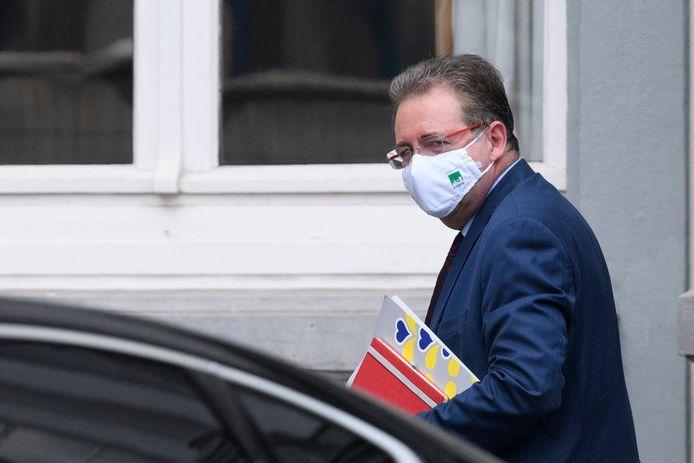 Brusselse crisiscel zit samen na overleg tussen premier Wilmès minister-president Vervoort