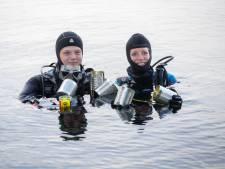 Duiken in de Beldert voor KWF: 'In het donker ziet onderwaterwereld er heel anders uit'