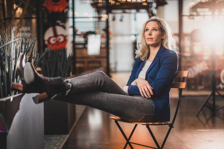 VTM-reporter Julie Colpaert gooit hoge ogen in De Slimste Mens (VIER). Weekendinterview: Sven Spoormakers.