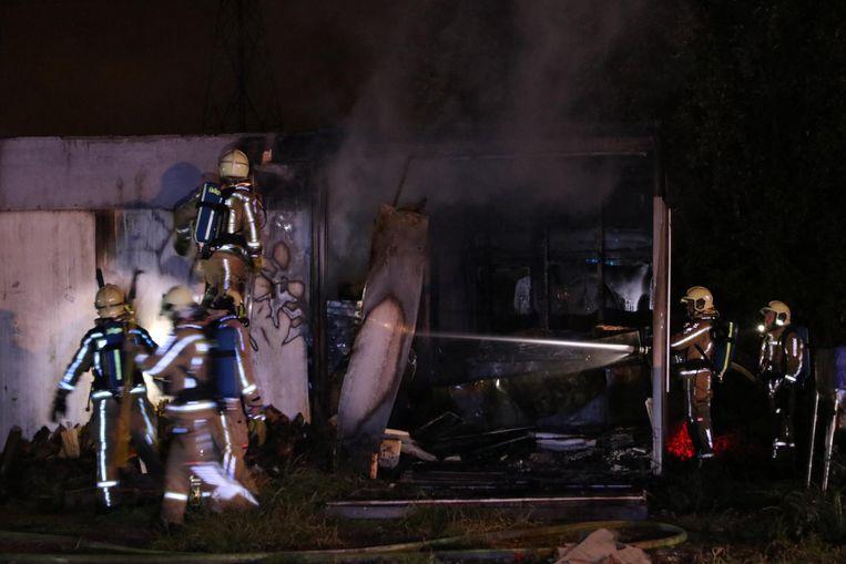 De brandweer kon het vuur snel doven, maar de schade is groot.