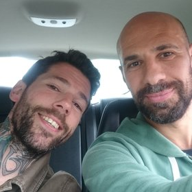 Henk lift mee met Abdelkader Benali