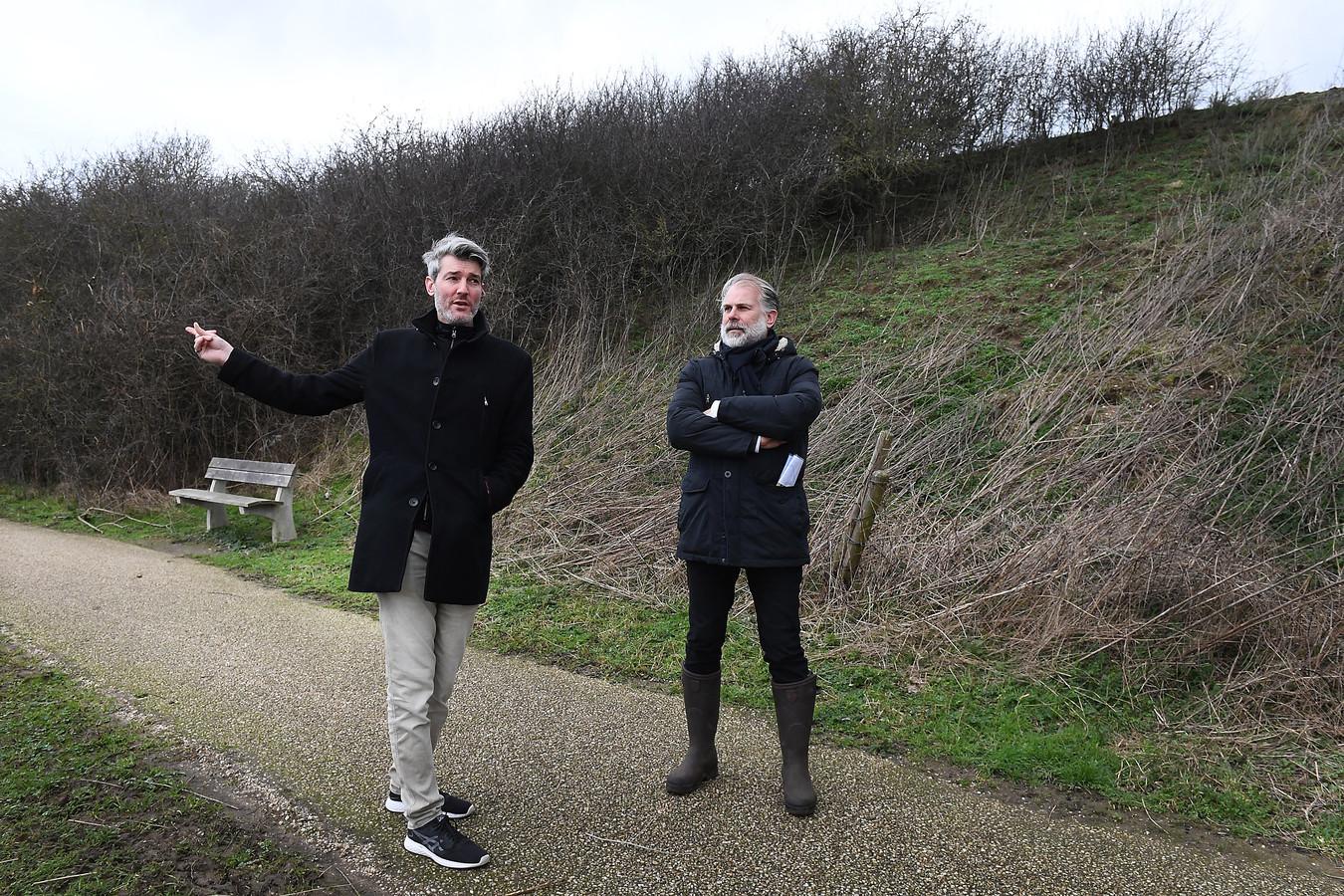 Martijn Koobs (links) en Marco Mud van de provincie.