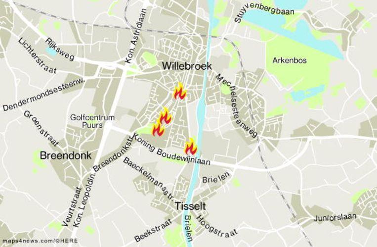Opmerkelijk is dat het al de vierde brand is op vier dagen tijd in een straal van ongeveer een kilometer.