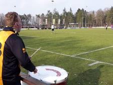 Superfan Sidney aanjager G-voetbal bij VV Vorden