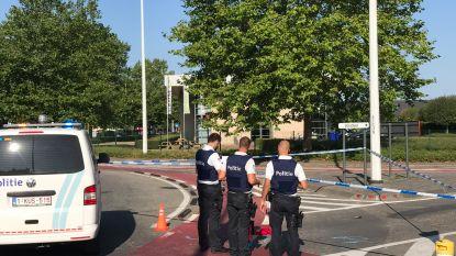 Vrouw levensgevaarlijk gewond na aanrijding in Oostkamp, bestuurder pleegt vluchtmisdrijf