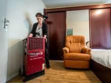 En weer liep het appartement van mevrouw Nielsen (95) in Aalst vol water